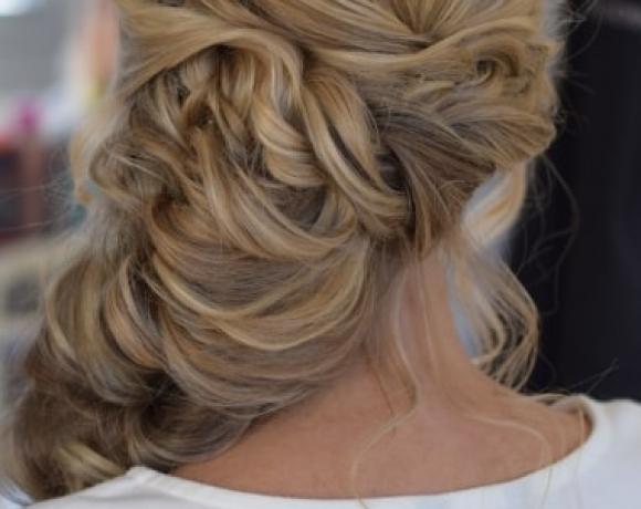Bridal sideswept hair